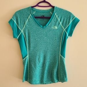 The north face workout t-shirt size xs flash dry